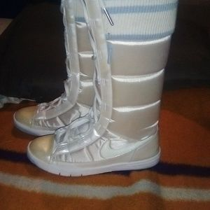 Nike High Top shoes Size 7